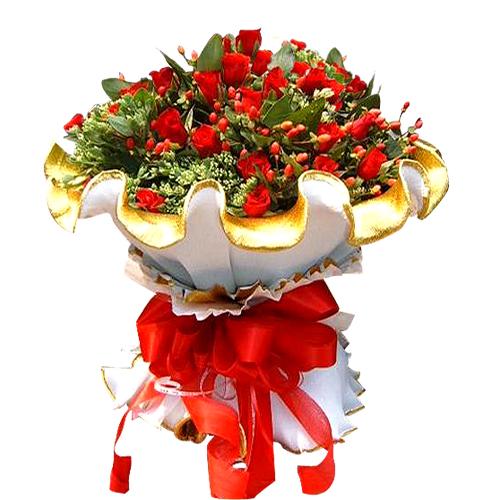 丰富花材简单包装的韩国花束